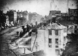 Bron: Louis Daguerre - Scanned from The Photography Book, Phaidon Press, London, 1997.